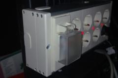 recolocar_los_cables_de_las_mesas_20101114_1786994715
